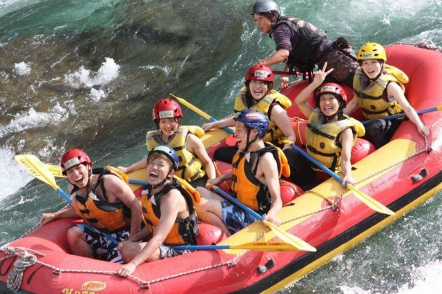 Overnight Cycling-rafting Adventure in Kochi