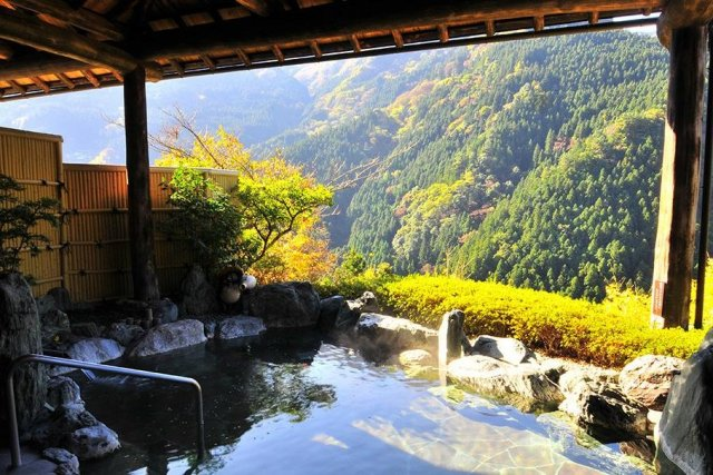 Overnight stay in Iya Onsen area in Miyoshi City, Tokushima Prefecture